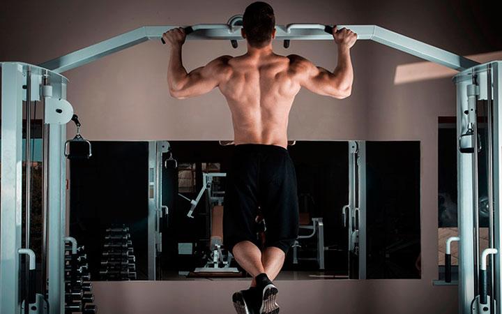 Как при помощи турника накачать мышцы тела