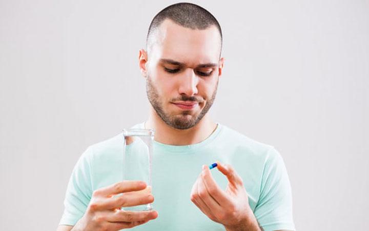 Прием таблеток от паразитов