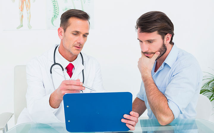 Как лечить белый налёт на головке и крайней плоти у мужчин