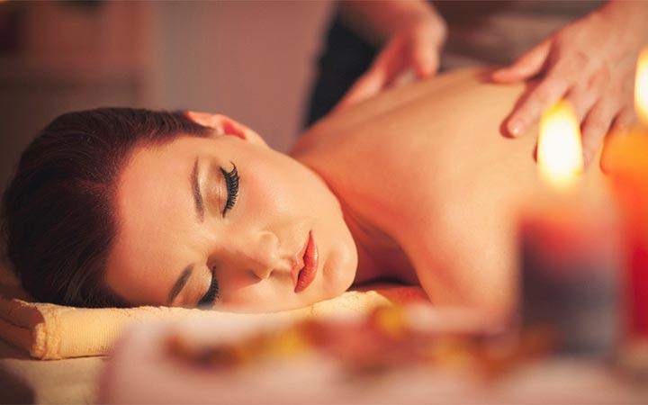 Как сделать возбуждающий массаж тела девушке в домашних условиях