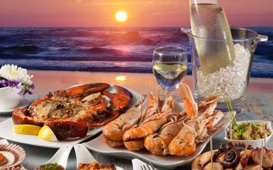 Морепродукты, омары, мидии
